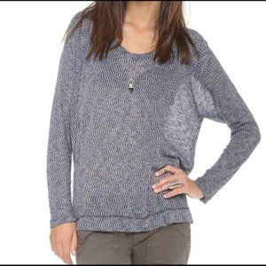 DKNY blue white lose knit pullover sweater top